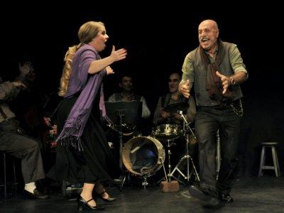 Geçtim Ama Tiyatrodan - İstanbul Devlet Tiyatrosu