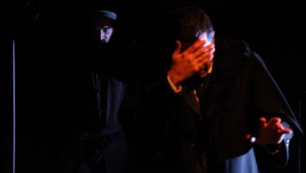 Palto - Eskişehir Şehir Tiyatrosu