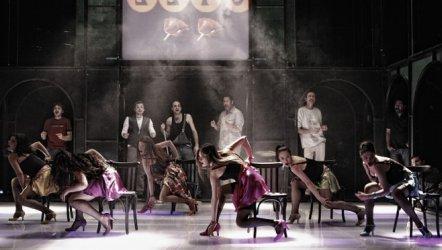 Açıl Kafam Açıl - İstanbul Devlet Tiyatrosu