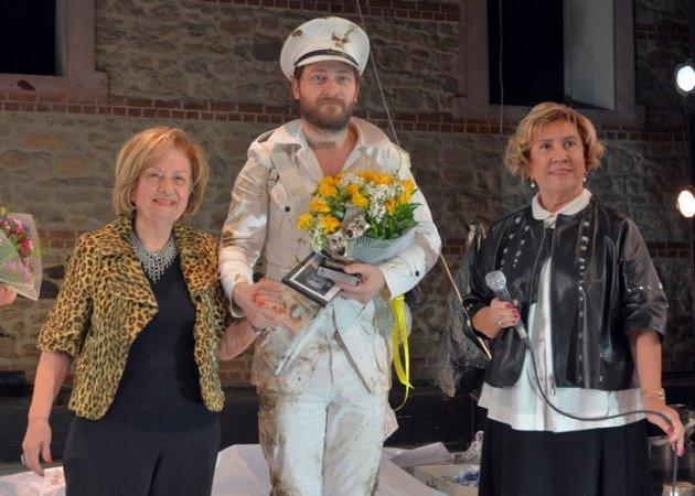 Yeküv Vasfi Rıza Zobu 2017 Tiyatro Ödülleri Verildi