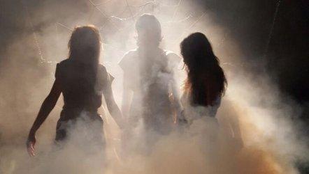 Zincire Vurulmuş Prometheus - Günün Videosu