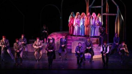 Şehir Tiyatroları 100. oyunu; Bir Şehnaz Oyun