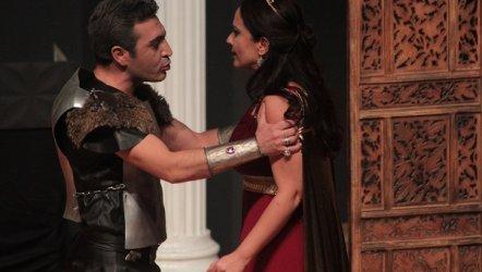 İzmir Seyircisi Sahne Tozu Tiyatrosu'nu Özledi