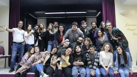 Felsefe Bölümü Öğrencileri İzmir'de Arturo Ui'yi Sahneliyor