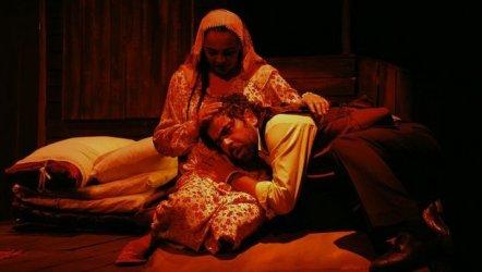 Ölümü Yaşamak - Diyarbakır Devlet Tiyatrosu