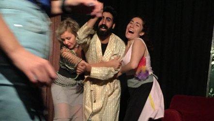 İzmir'de tiyatro sezonu açılıyor