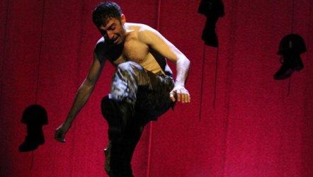 İstanbul Şehir Tiyatrosu Ekim Ayında  1'i Yeni , 21 Oyunla  Seyirci ile Buluşuyor