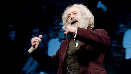 Marx'ın Dönüşü - Dostlar Tiyatrosu