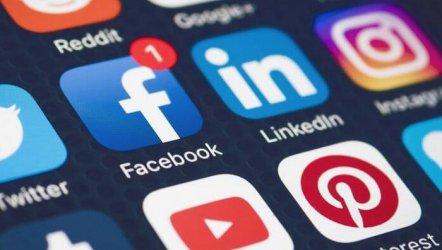 Sosyal Medyanın Sanat Ve Ebebiyat Soslu Hipergerçeklik Dünyası