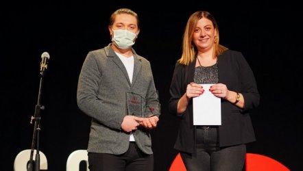 Genç Oyun Yazarları ödüllerini aldı.